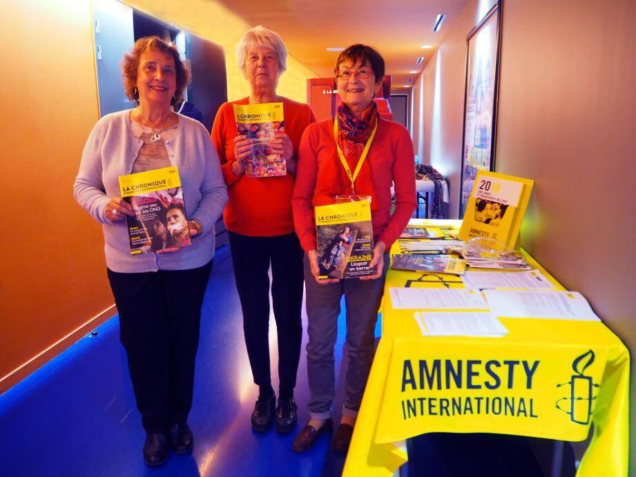 Dominique Gioanni-de-Rigal, Dominique Roure et Yveline Talbot sont des bénévoles actives d'Amnesty International.