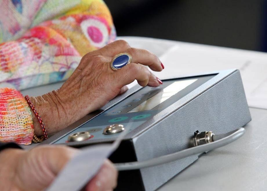 Premières machines à voter en 2006