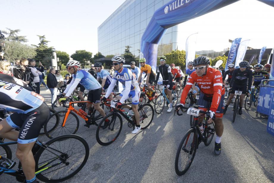 1200 coureurs étaient attendus dimanche 29 mars au départ de Nice-Matin, dont 600 Italiens.