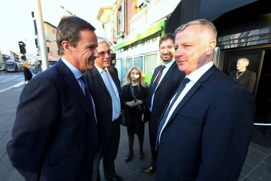 Nicolas Dupont-Aignan et Bruno North sont venus hier à Nice soutenir Benoît Kandel. À l'arrière-plan, ses colistiers Laurence Nahon et Jean-Marc Chipot, président départemental de Debout la France !