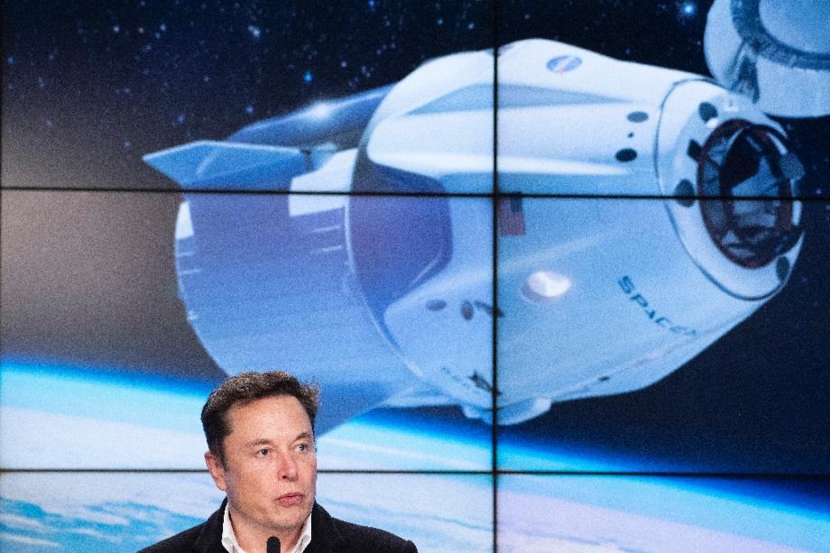 Le patron de SpaceX, Elon Musk, lors d'une conférence de presse après le lancement de la capsule Crew Dragon, le 2 mars 2019 au Centre spatial Kennedy, en Floride
