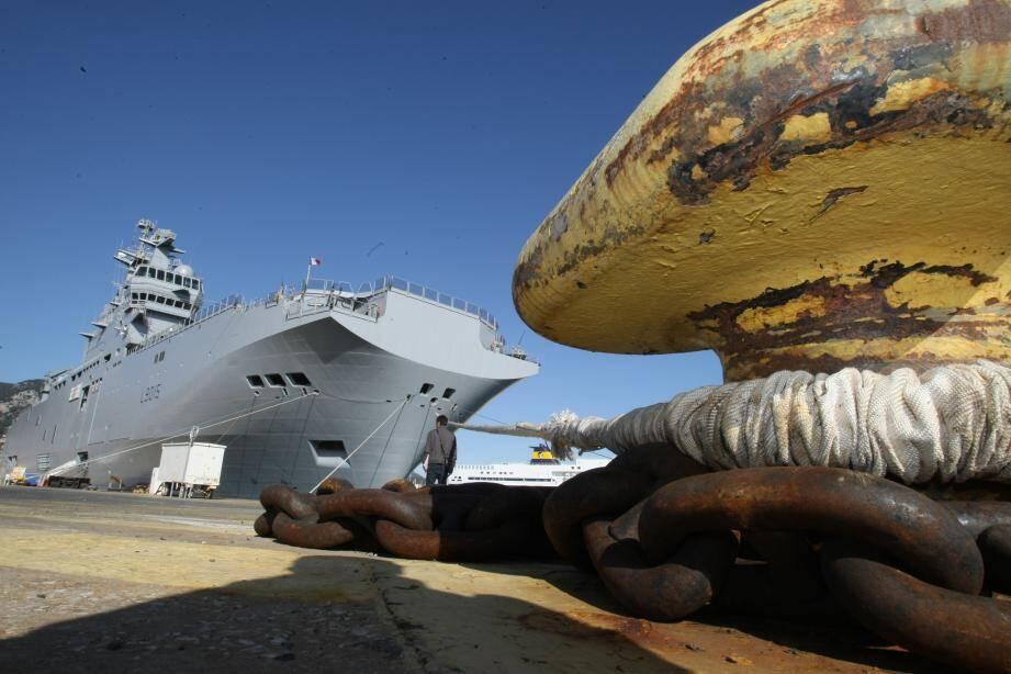 """Le Dixmude va à présent se reconfigurer afin de repartir au plus tôt afin de prendre part aux Antilles à l'opération """"Résilience""""."""