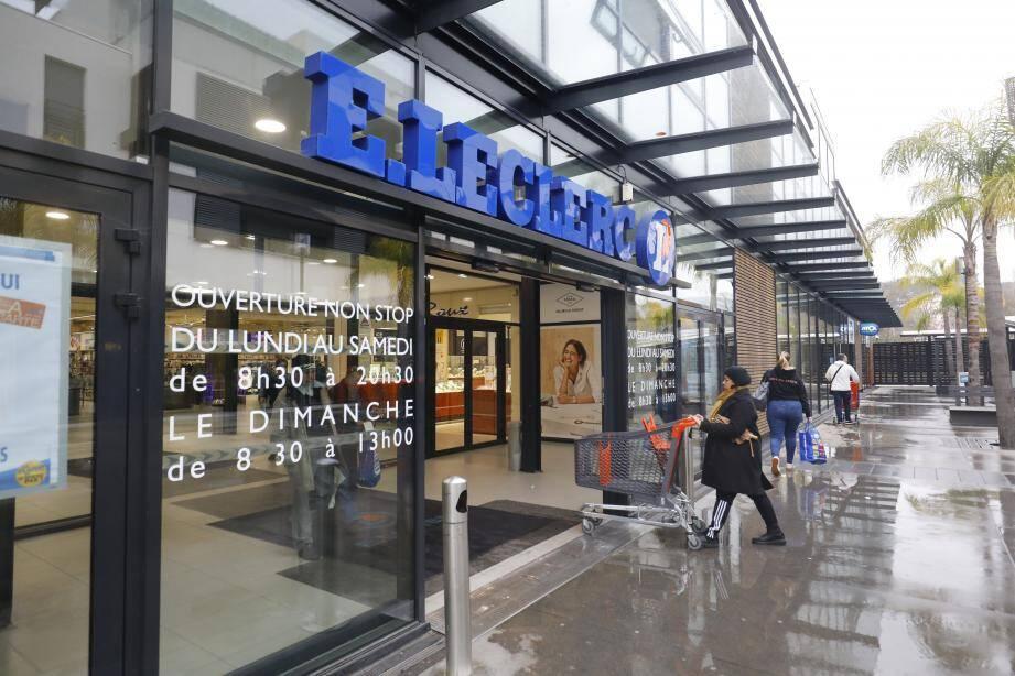 Le magasin E.Leclerc à Cannes la Bocca. Illustration.