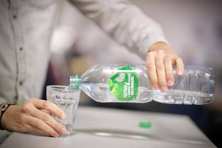 Désormais, les Grassois n'auront plus besoin d'acheter des packs d'eau. L'eau du robinet est consommable à nouveau.