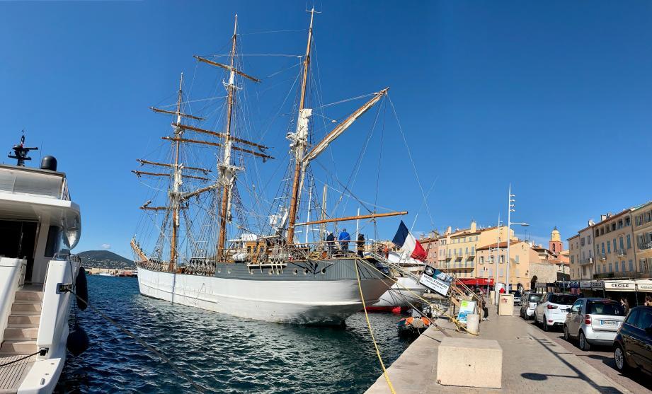 L'équipage invite les personnes intéressées par la sortie en mer à s'inscrire rapidement.