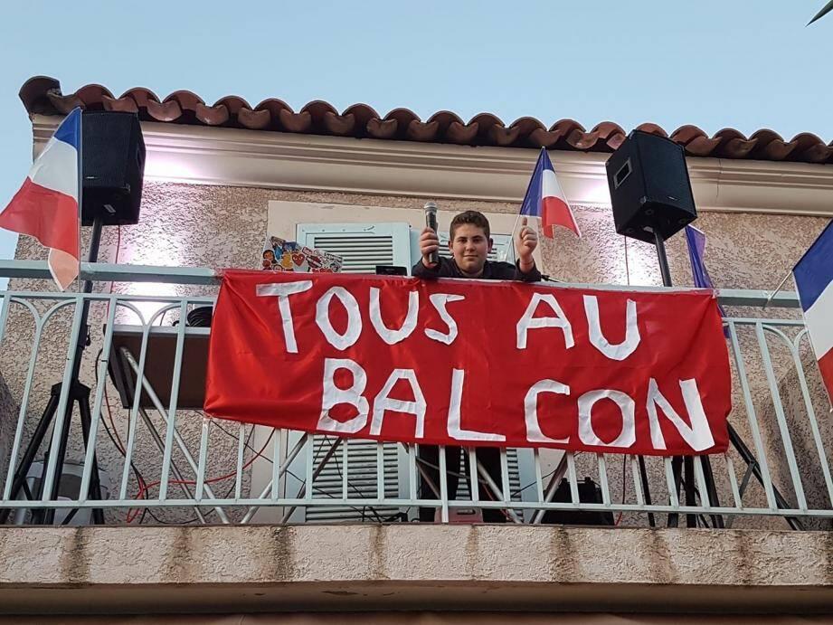 Le rendez-vous des Cagnois au balcon se passe maintenant à 20h.