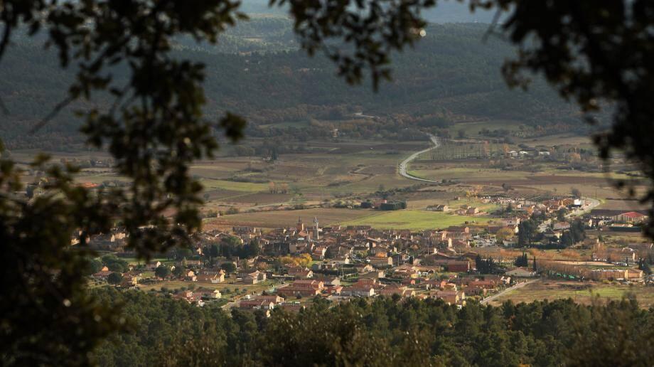 Le village de Tavernes.