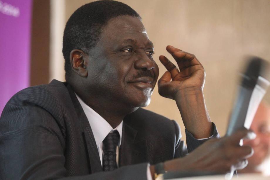 C'est alors qu'il se trouvait au Sénégal, que l'ancien président de l'OM a contracté la  maladie.