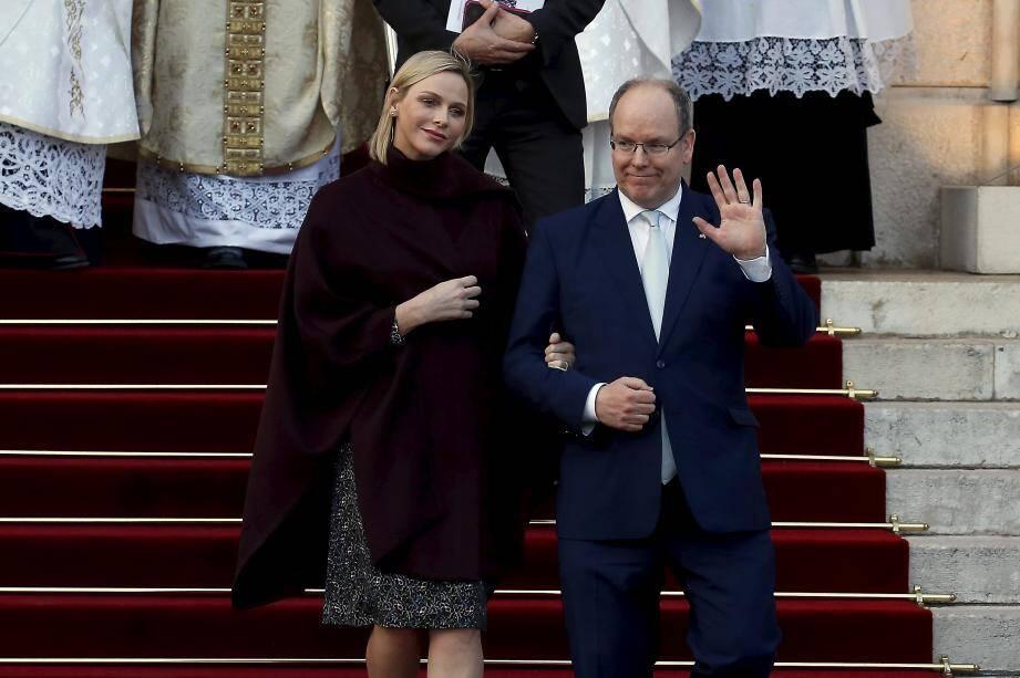 Le prince Albert II et la princesse Charlène lors de l'ordination du nouvel archevêque de Monaco, Monseigneur Dominique-Marie David à la cathédrale de Monaco, le dimanche 8 mars 2020.