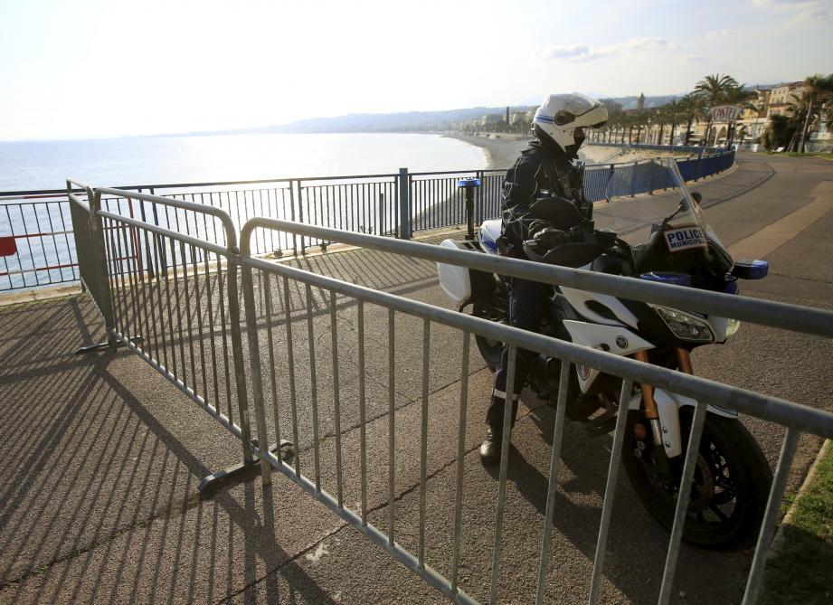 La promenade des Anglais à Nice, interdite depuis ce vendredi, 14h.