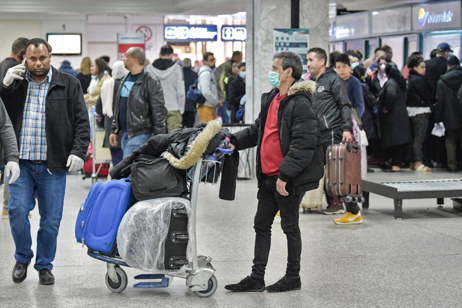 Des touristes français bloqués à l'aéroport de Tunis.