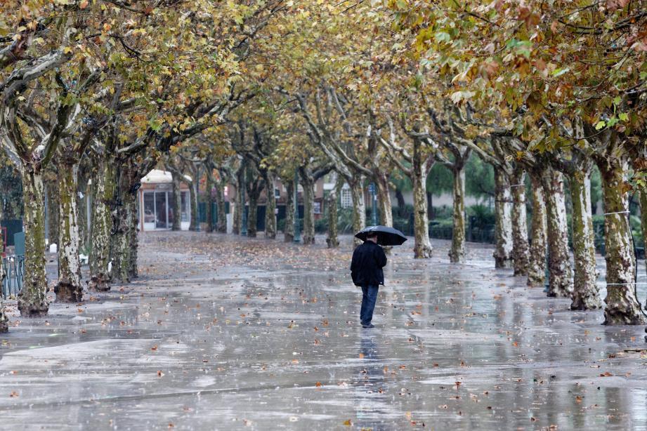 La pluie à Sanary. Illustration.