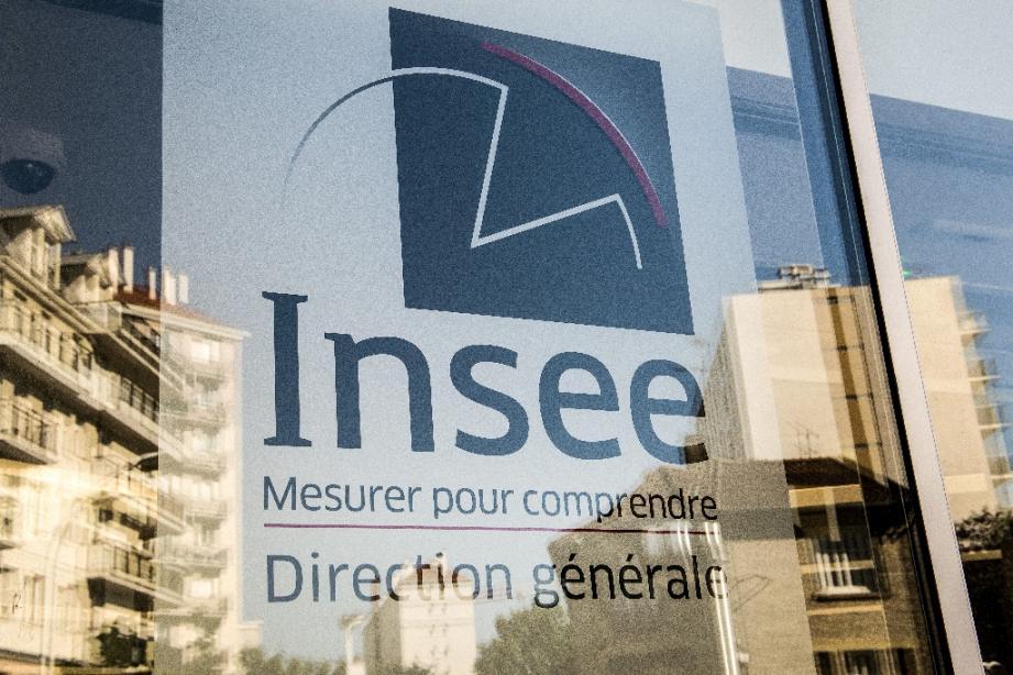 L'économie française est officiellement en récession et s'est contractée de 5,8% au premier trimestre, du fait notamment du confinement en place depuis la mi-mars pour endiguer la pandémie de Covid-19