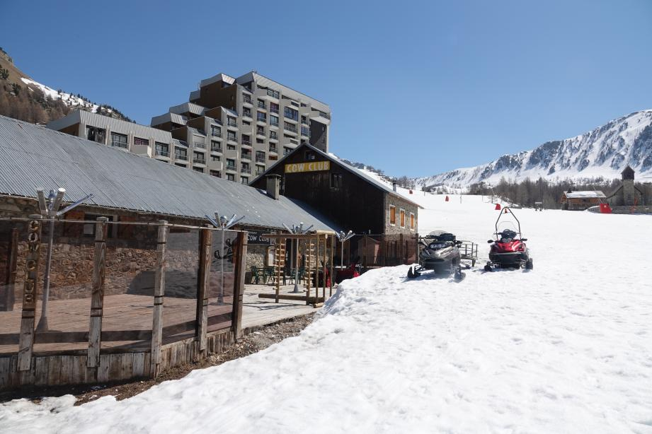 Les stations de sports d'hiver (ici, Isola 2000) ne savent pas quand elles obtiendront le droit d'ouvrir.