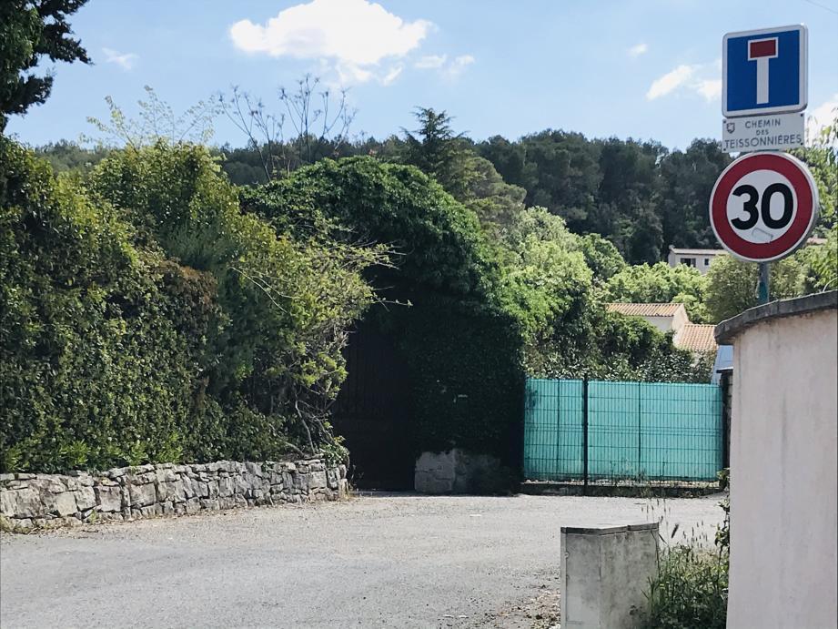 Les faits se sont déroulés, vendredi, dans ce paisible quartier résidentiel de Draguignan.