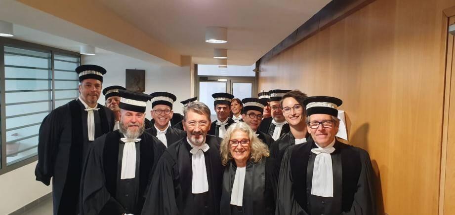 Le président du tribunal de commerce d'Antibes, Robert Martin (au centre), espère que ce nouveau procédé sera répété dans le temps.