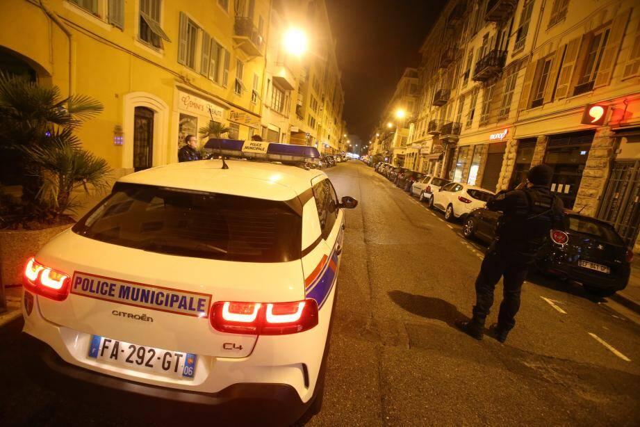 La police municipale de Nice lors d'une patrouille, au début du confinement (photo d'illustration).