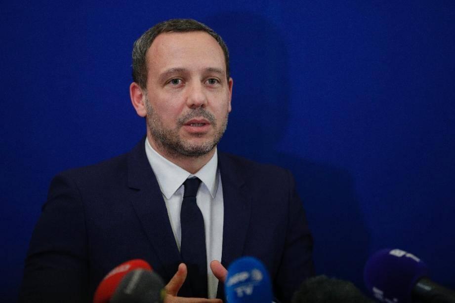 Le secrétaire d'Etat chargé de la Protection de l'enfance Adrien Taquet, lors d'une conférence de presse le 5 février 2020 à Paris