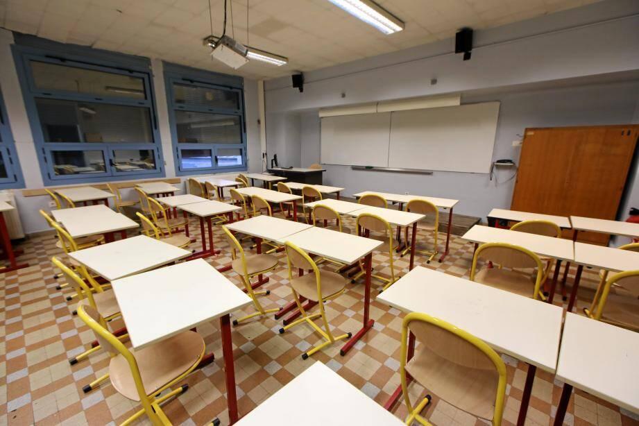 Annoncée pour le 4 mai, la reprise des cours nécessitera des aménagements, selon les profs.
