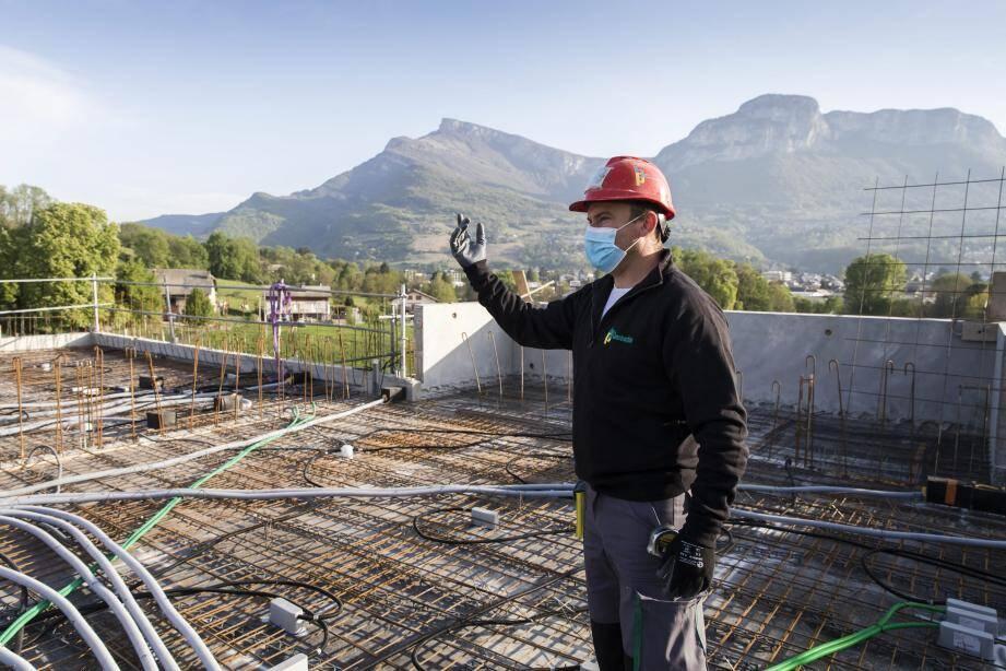 Selon la Fédération des Promoteurs Immobiliers, « 30 % des chantiers menés par des opérateurs privés ont d'ores et déjà repris, dans des conditions sanitaires totalement sécurisées ».