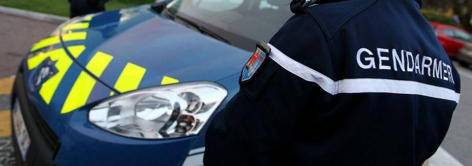 Un faux gendarme a été interpellé grâce à la vigilance de passants.