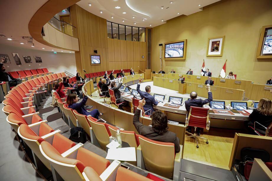 L'assemblée s'est déjà réunie le 19 mars dernier, dans ce contexte particulier.