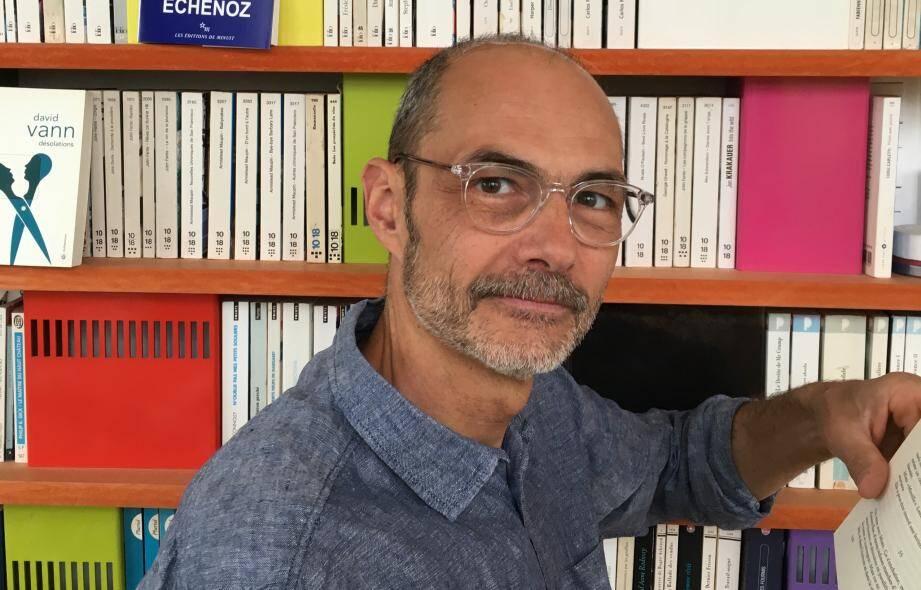 Raphaël Riva de la librairie Le Carré des mots à Toulon.