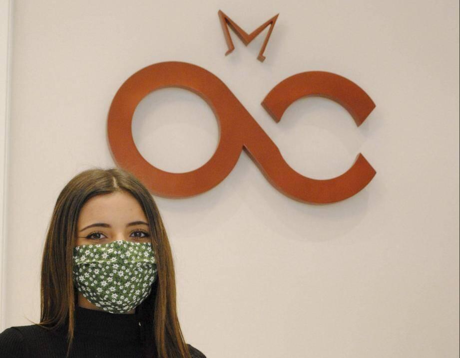 À Monaco, c'est Angela Petrulli, membre de l'association des femmes chefs d'entreprise, qui dispose de deux ateliers de haute couture sous la marque AMC Haute Couture, qui a mis son grain de sel.