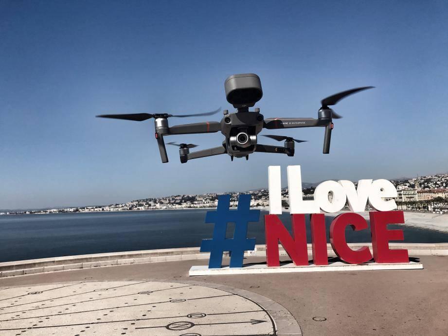 Le drone est une fois encore déployé à Nice.