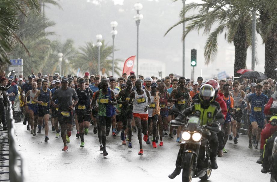 Départ du marathon Nice - Cannes en 2019.