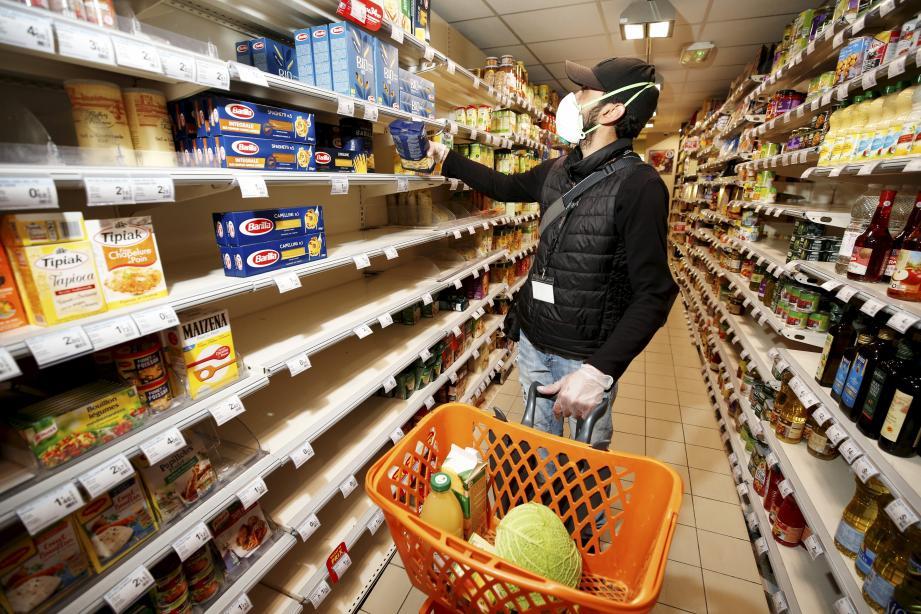 Dans un supermarché à Nice. Illustration.