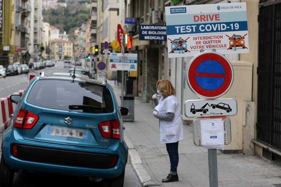 Le drive-test de la rue Barla à Nice.