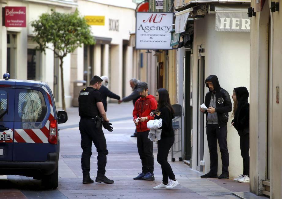 Quotidiennement, des contrôles des déplacements sont réalisés par la police mais aussi la gendarmerie.