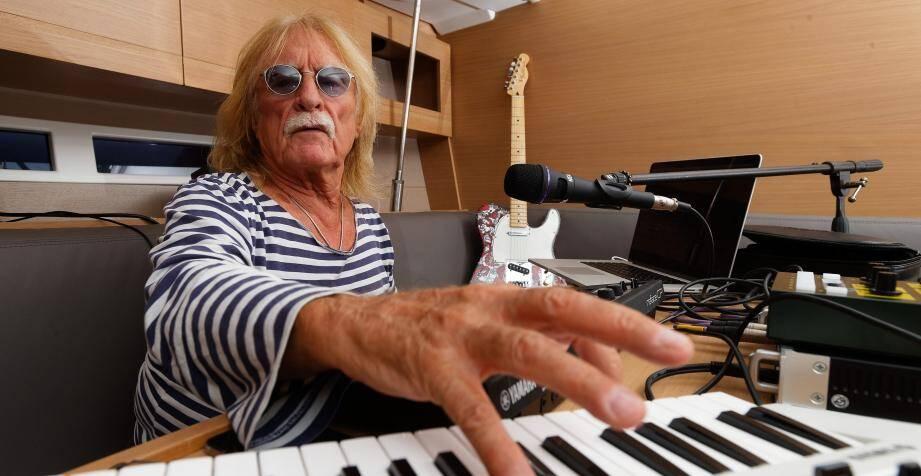 Le chanteur Christophe est décédé.