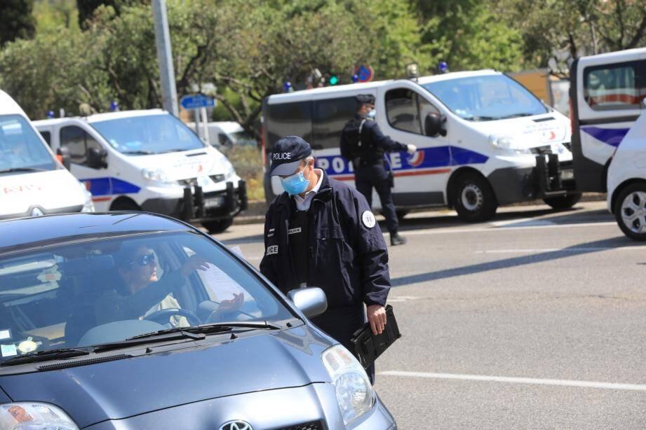Toulon, ce mardi après-midi. Une vingtaine de fonctionnaires étaient mobilisés.