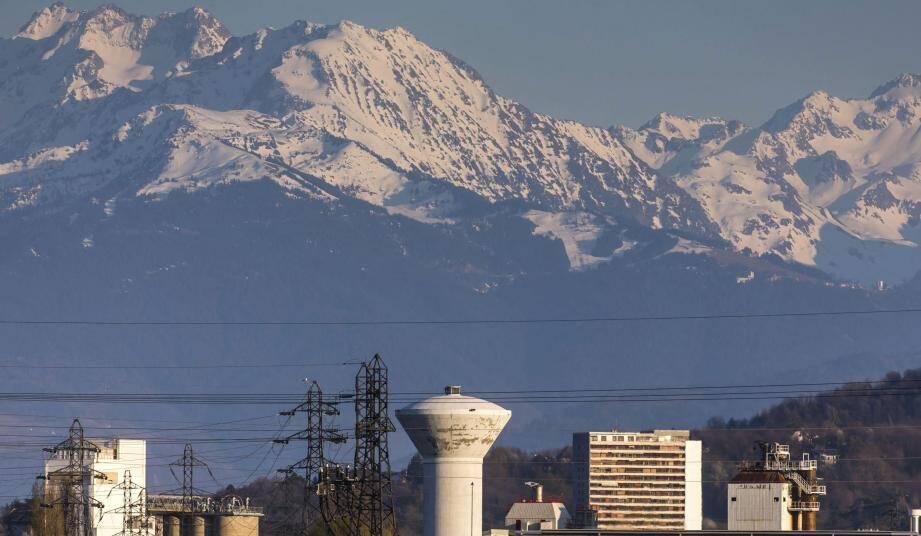 Les activités à l'arrêt ont changé l'air, le paysage et reposé la nature ces dernières semaines, comme ici en Savoie.
