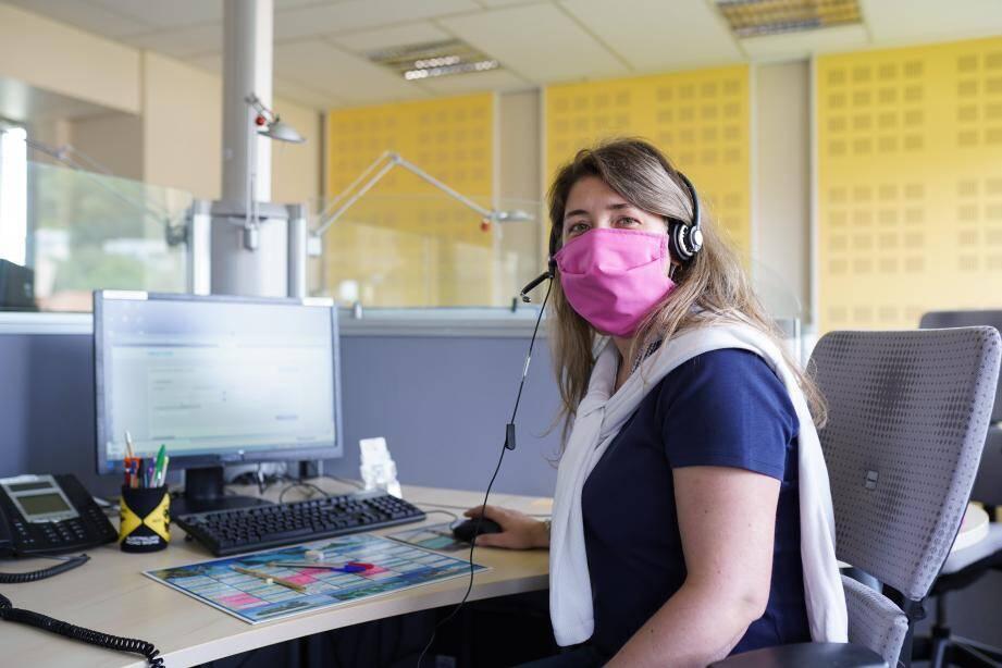 Les agents de la CPAM doivent identifier les cas contacts afin de les prévenir de leur potentielle exposition au virus pour qu'ils puissent prendre les mesures qui s'imposent, en premier lieu rester chez eux.