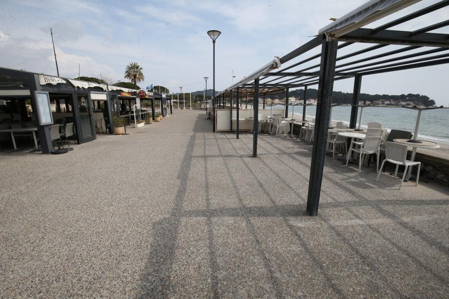 Fermés pendant le confinement, les cafés et restaurants, comme ici aux Sablettes, pourront bénéficier de plusieurs mesures économiques mises en place par la municipalité.