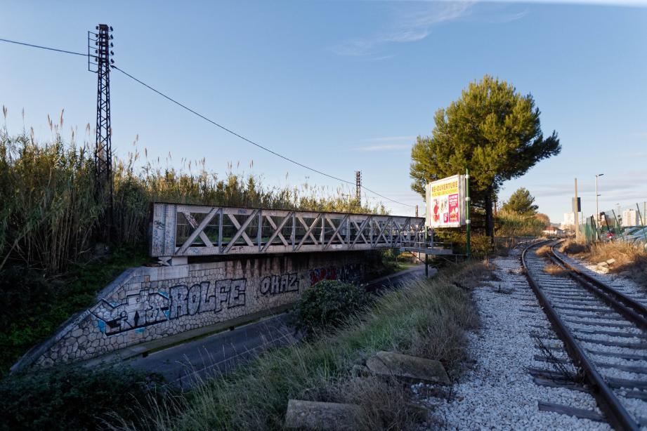 Reportés en raison du confinement, les travaux de remplacement du pont-rail sur l'avenue Rabin vont débuter mardi.