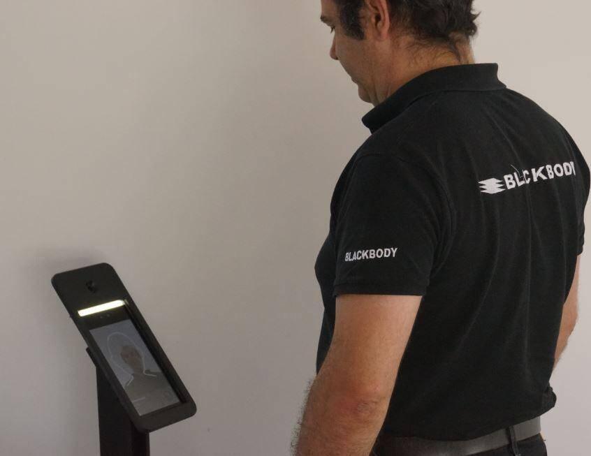 Bruno Dussert Vidalet et son équipe ont inventé Sentinelle, une borne à selfie thermique d'autocontrôle, déjà utilisée en Ehpad et bientôt dans les centres commerciaux.