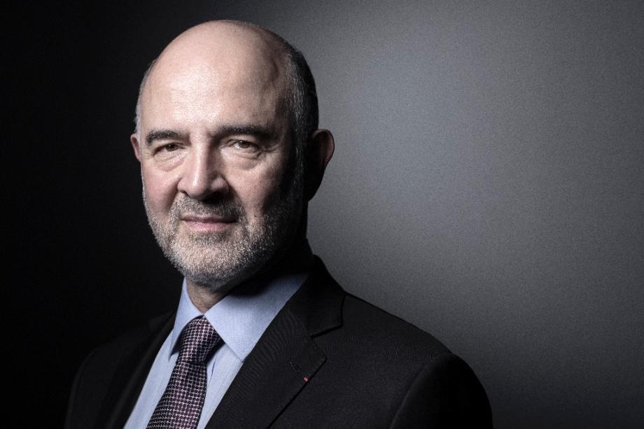 Pierre Moscovici, alors commissaire européen aux Affaires économiques, pose le 5 mars 2019 à Paris