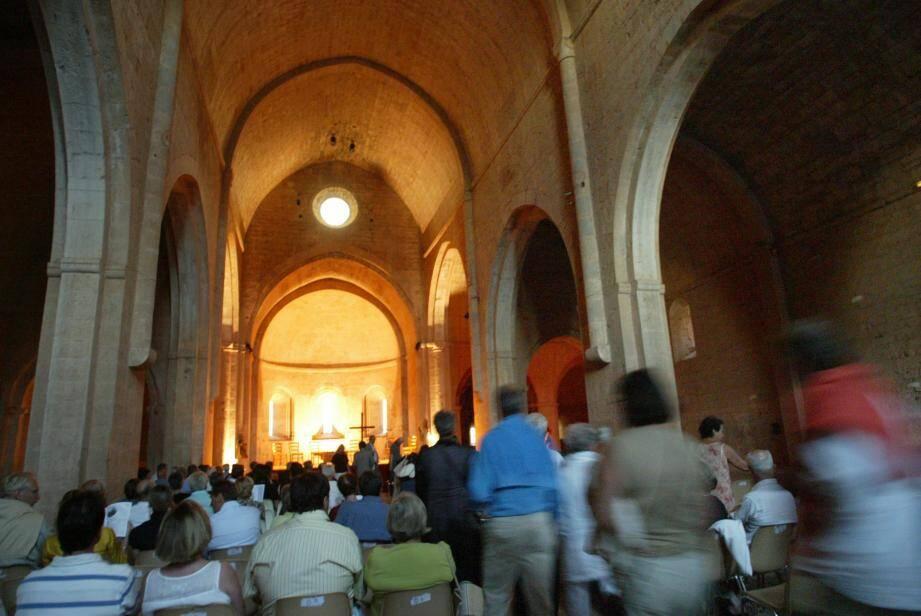 Les festivités de Sainte-Marie-Madeleine vont animer Saint-Maximin et sa basilique. (Photo doc V-m)    Le centre d'art contemporain de Chateauvert accueille ce week-end le «FADA», Festival du film autour de l'art.    (Photo doc V-m)    Les 28es rencontres internationales de musique médiévale vont magnifier l'acoustique exceptionnelle de l'abbaye du Thoronet ces samedi et dimanche soir. (Photo doc V-m)    ABBAYE DU THORONET RENCONTRES DE MUSIQUE MEDIEVALE DU THORONNET ENSEMBLE GILLES BINCHOIS DOMINIQUE VELLARD DIRECTEUR ARTISTIQUE DU FESTIVAL