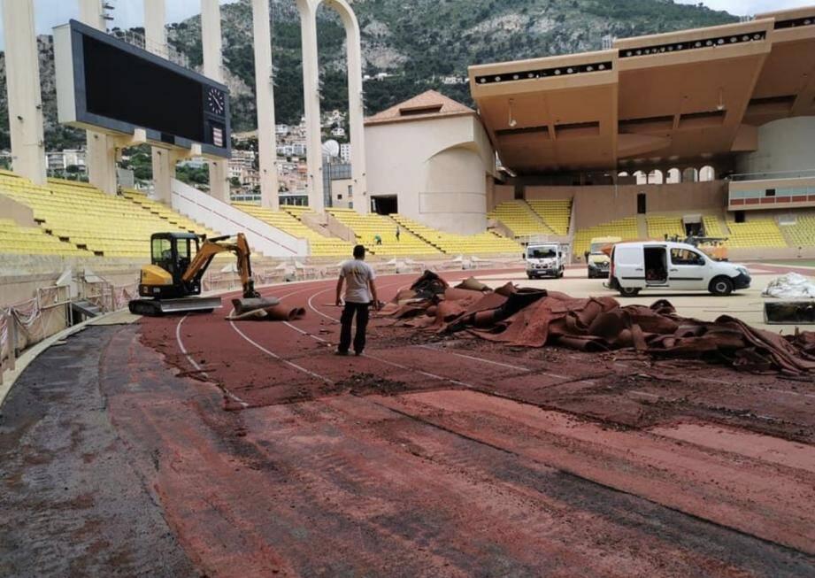 Plus de 7.000 m² de revêtement doivent être remplacés.
