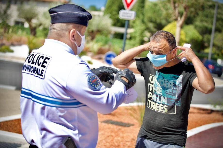Le masque est maintenant obligatoire à Cagnes-sur-Mer dans bon nombre de cas, comme dans plusieurs autres communes (ici Mandelieu).
