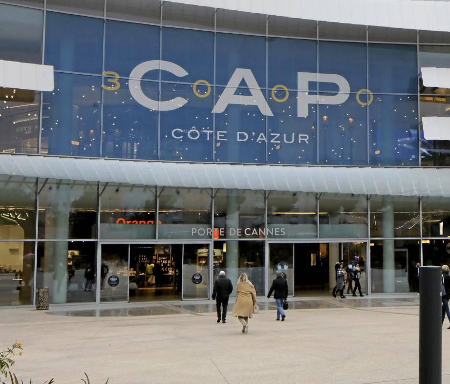 Le centre commercial Cap 3000 annonce sa réouverture lundi 11 mai à 11 heures.