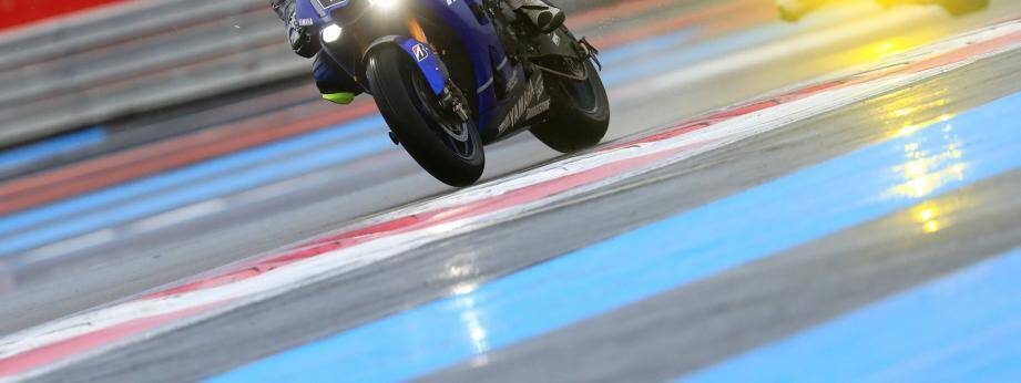 Une moto sur le circuit du Castellet