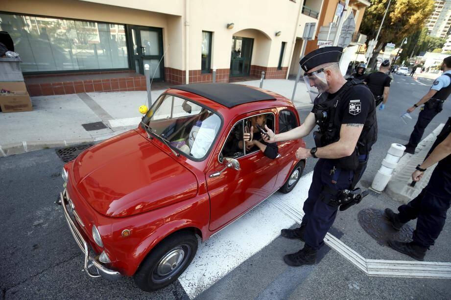 Contrôles conjoints de la Sûreté publique monégasque et de la gendarmerie.