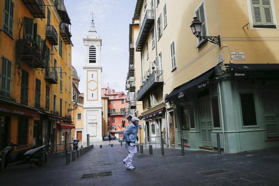 La rue Rossetti à Nice, déserte, pendant le confinement. Illustration.