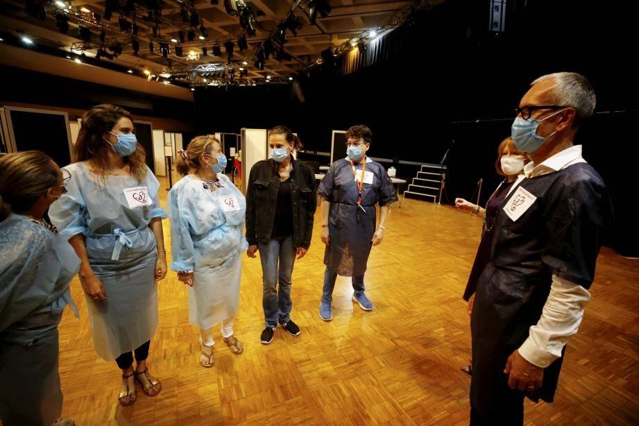 Fight Aids a mobilisé huit bénévoles dès l'ouverture du centre de dépistage à l'espace Léo-Ferré.