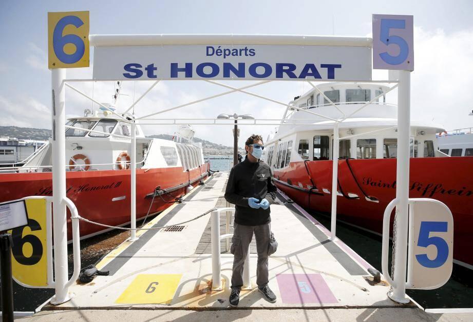 Depuis ce jeudi matin et à raison de quatre départs par jour, les traversées vers Saint Honorat ont repris au départ du quai Laubeuf, deux jours après celles en direction de Sainte-Marguerite.